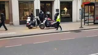 Robbery in London Oxford Street