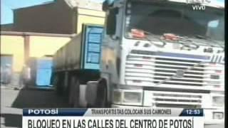 BLOQUEO DE CARRETERAS, 4 PUNTOS CERRADOS TRANSPORTES PESADO BLOQUEA @ RED PAT BOLIVIA