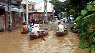 Vietnam Hoi An Green Apple Activities. Flood in Hoi An Vietnam!