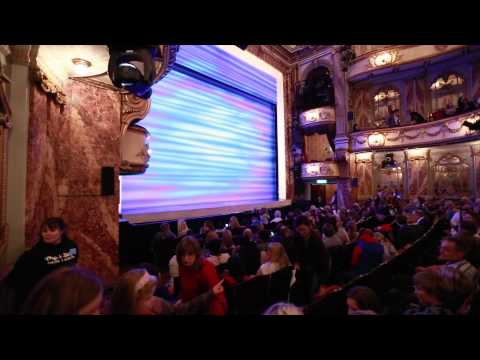 MAMMA MIA! London hosts its first Relaxed Performance - 26 November 2013