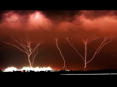 Late Winter Storm Ground to Sky Lightning with Record Cold & Snow (378)