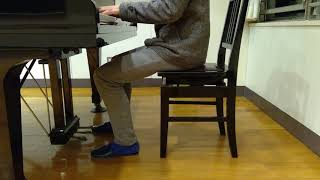 久しぶりにピアノを弾いてみました。 リズム感も安定してなく結構ミスっ...