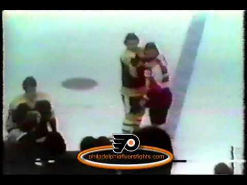 Mar 30, 1974 Bobby Orr vs Dave Schultz Boston Bruins vs Philadelphia Flyers