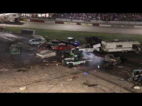 Rockford Speedway's World Famous Figure 8 Trailer Race 2018