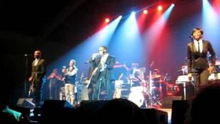 Raphael Saadiq-Love That Girl & Keep Marching @ John Legend Evolver Tour