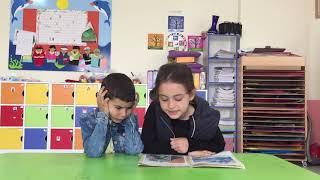 Gambar cover Zeynep Rana ve Emir, küçük kardeşlerine Uyuyan güzel masalını okuyor :)