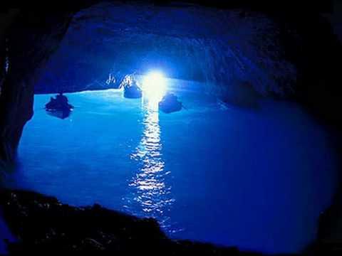 LA POESIA DI CAPRI. Peppino di Capri-Luna caprese