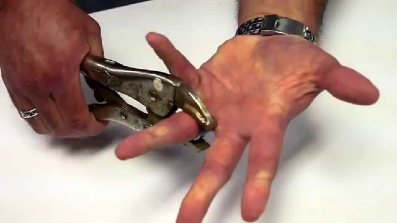 Tungsten carbide ring removal