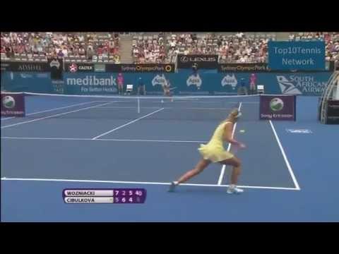 Caroline Wozniacki vs Dominika Cibulkova (Sydney 2012)-2 Runda Skrót