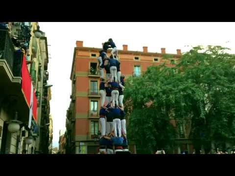 Incredible Human Castle with Expert Castellers | Devour Barcelona