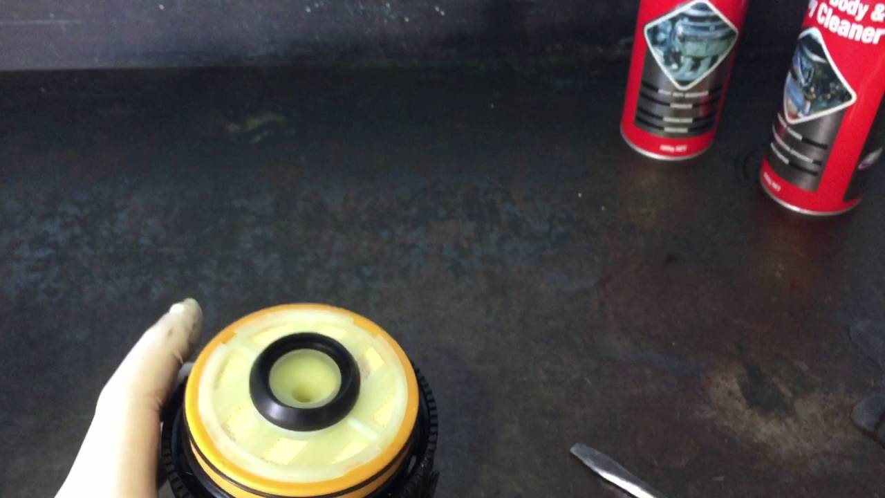 Isuzu D Max Fuel Filter Replacement Water Drain Location 2013 Youtube Gmc