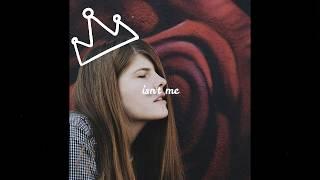 Catie Turner - Prom Queen [Full HD] lyrics