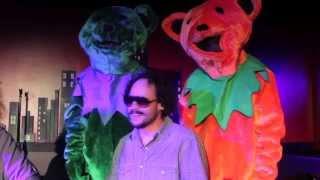 "Grateful Dead Comedian AJ Finney Turns Comedy Club  Into His ""Brain Circus"""