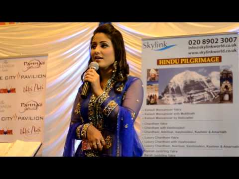akshara  hina khan singing in London