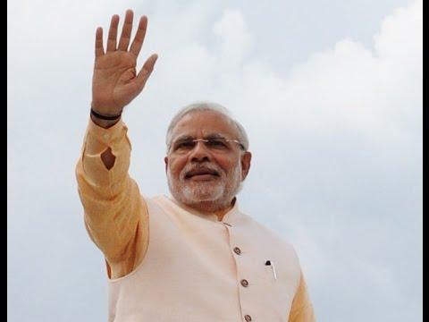 PM Modi and Japanese PM Abe arrive at Varanasi Airport