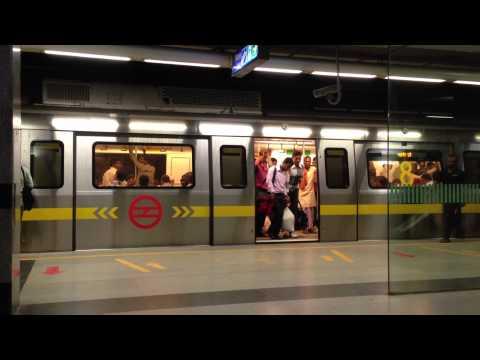 New Delhi Metro Station - Early Morning 6AM   Rajiv Chowk Metro Station
