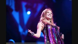 16 - Hilary Duff - Happy (Live At Gibson Amphitheatre) Official Live Version