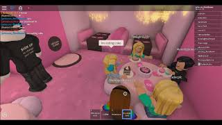 PLAYING ROBLOX BAKERY!