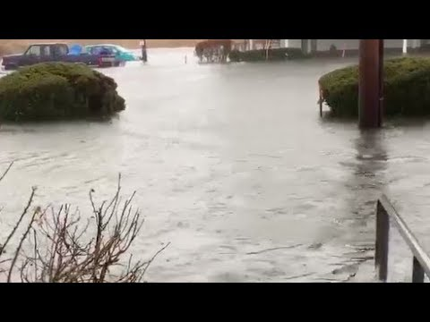 Nor'easter causes street to flood