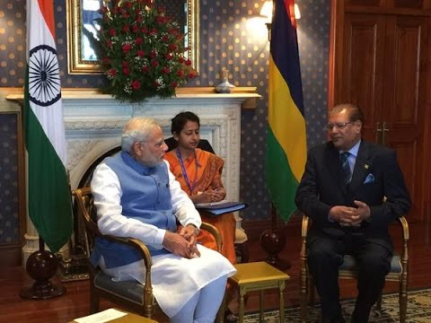 Narendra Modi with Mauritius PM Anerood Jugnauth at the Exchange of Agreements