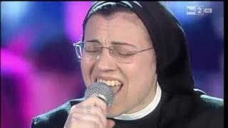 Победительница шоу Голос Италия - Самая известная поющая монахиня