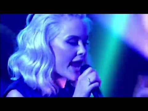 Tinie Tempah  ft. Zara Larsson  - Girls Like LIVE on Jonathan Ross Show   2 April 2016