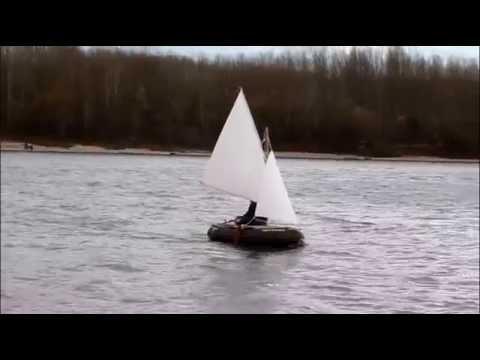 sevylor mini schlauchboot mit segel inflatable sailboat. Black Bedroom Furniture Sets. Home Design Ideas