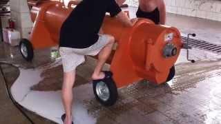 Стирка ковров, отжим в центрифуге(, 2014-07-13T20:48:51.000Z)