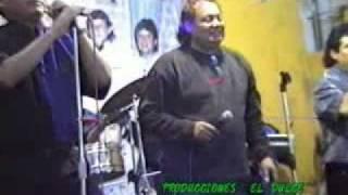 """JOSE LUIS CALDERON (RIÑON) en vivo cantando """"amor incomparable""""  amantes de la cumbia"""