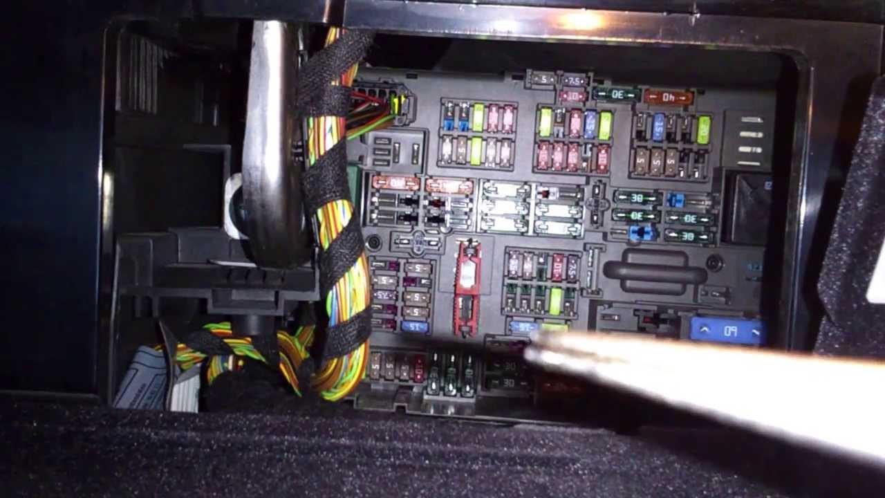 Freightliner Radio Wiring Diagram French Braid Bmw E90 Cigarette Lighter Fuse - Youtube