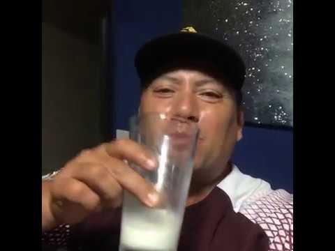Download ToroMax En Sala Viendo La Tele Con Sus Hermanas Y Chuy Festejando Con Whisky :v
