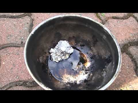 Making Hyrdogen Out Of Aluminum Foil And Myraic Acid