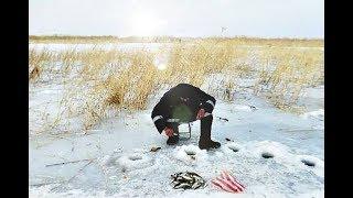 Как наловить много карася зимой!?Толковое обучение ловли карася! ч.1
