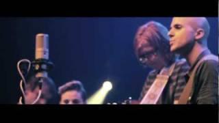 Milow & Brett Dennen - So Far From Me (live)