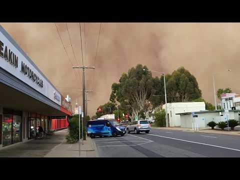 Crazy dust storm hits Mildura