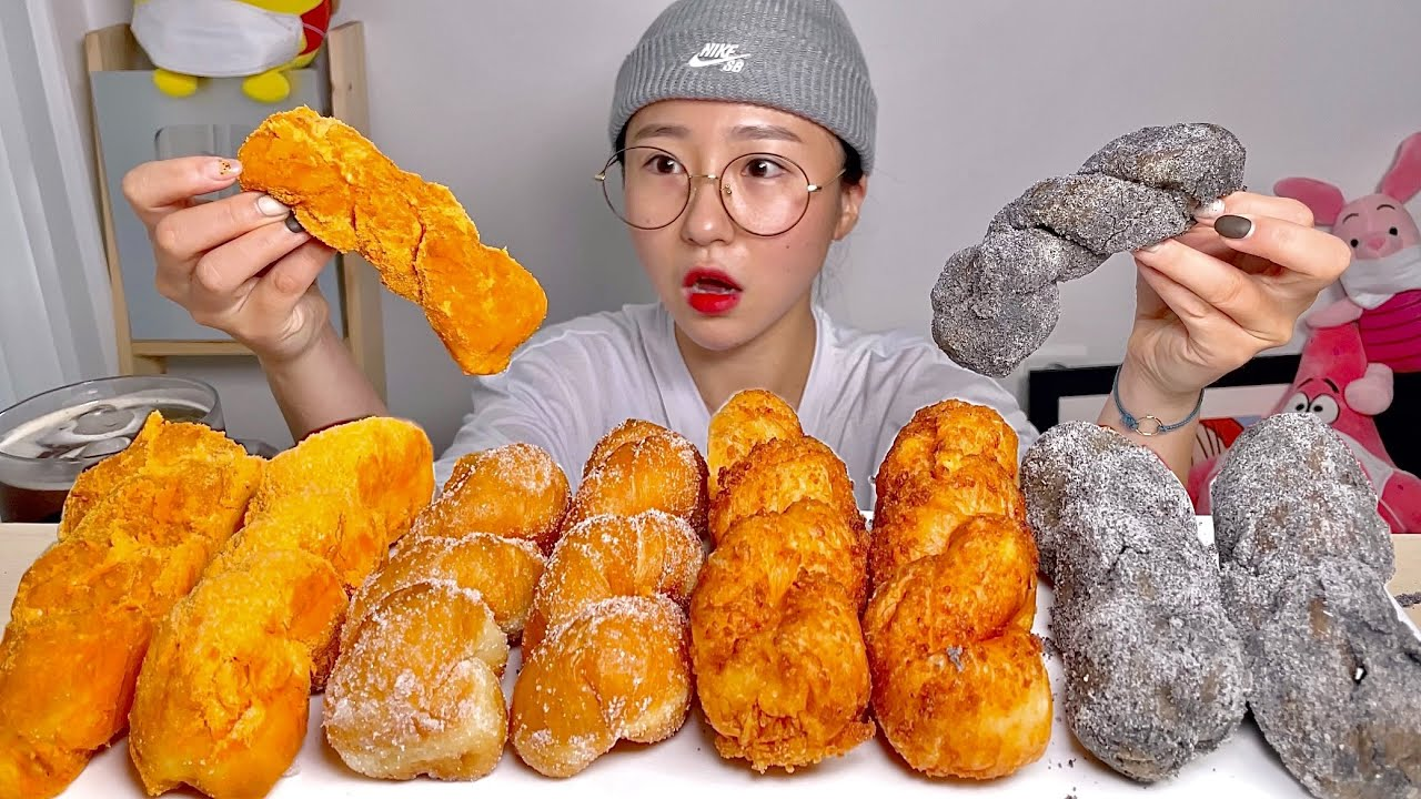 원더트위스트 꽈배기 흑임자 치즈 소보로 꽈배기 디저트 먹방 Dessert Mukbang