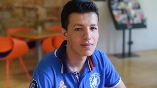 Uprchlík ze Sýrie: před válkou byl život šťastný, pak bombardování každý den