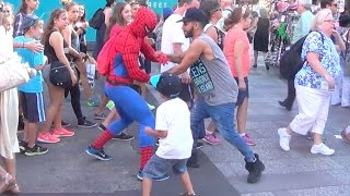 CRAZY STREET FIGHT! SPIDERMAN vs. ADAM!!
