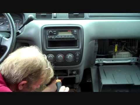 How to Honda Bose CR-V Car Stereo radio Removal 1997 - 2001 replace