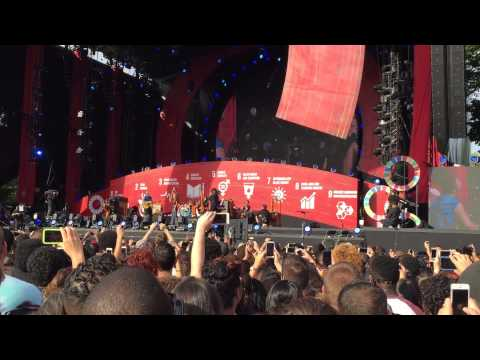 Coldplay & Ariana Grande- Just A Little Bit Of Your Heart/Global Citizen Fest/Central Park/9-26-15