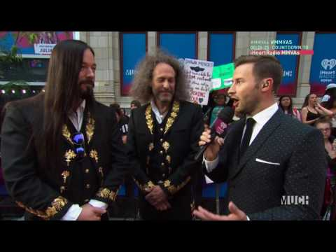 Rob Baker From The Tragically Hip on the MMVA Red Carpet