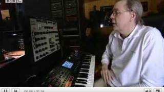 Klaus Schulze talks about, and demonstrates, his first synth an EMS Synthi A