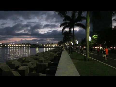 Cintera Costera by night Panama city Panama