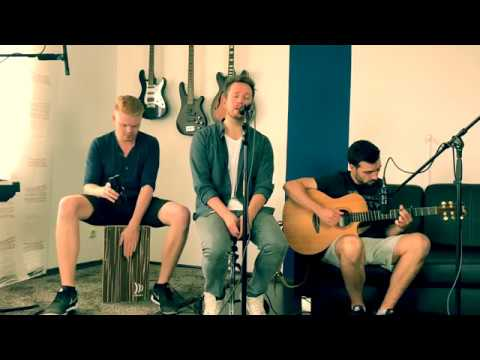 Pink - What about us (Acoustic Cover by Acoustinate)