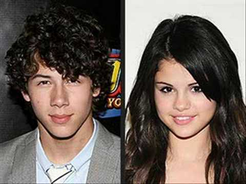is nick dating selena gomez