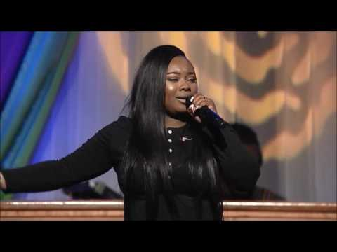 "Jekayln Carr ministers ""You're Bigger"" at the 2017 Radical Revolution Women's Conference"