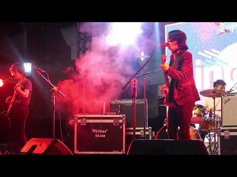 IV of Spades - Ilaw sa daan Live performance at Ateneo Cultural Convention
