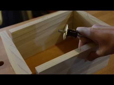 how to cut plexiglass by hand video