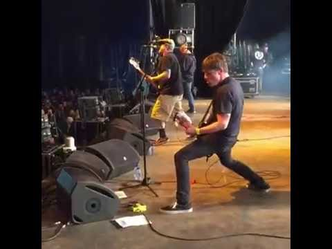 No Use and Friends - Live at Groezrock 2016!