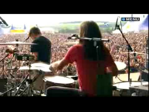 A+ - Kings Of Leon - The Bucket (Live @ T In The Park 2007) - Lyrics on sidebar